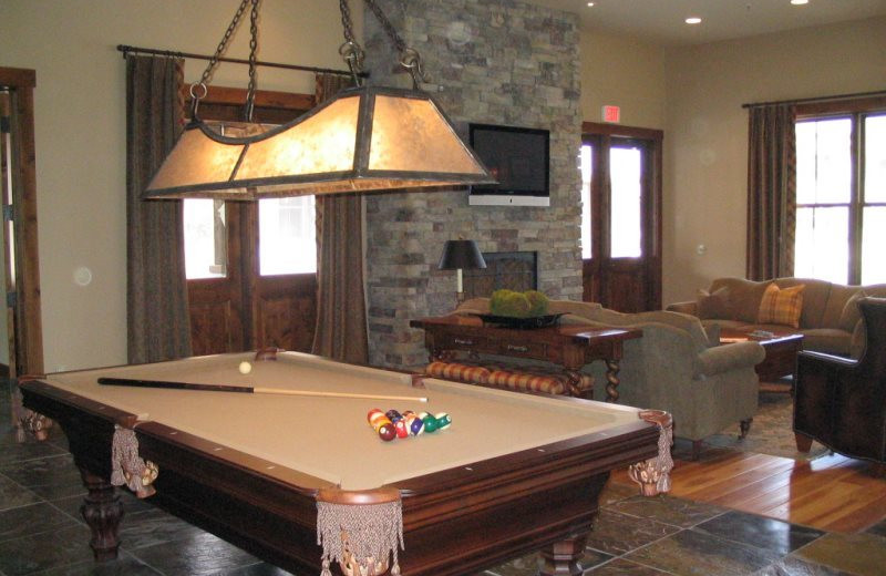 Billiards table at Five Star Rentals of Montana.