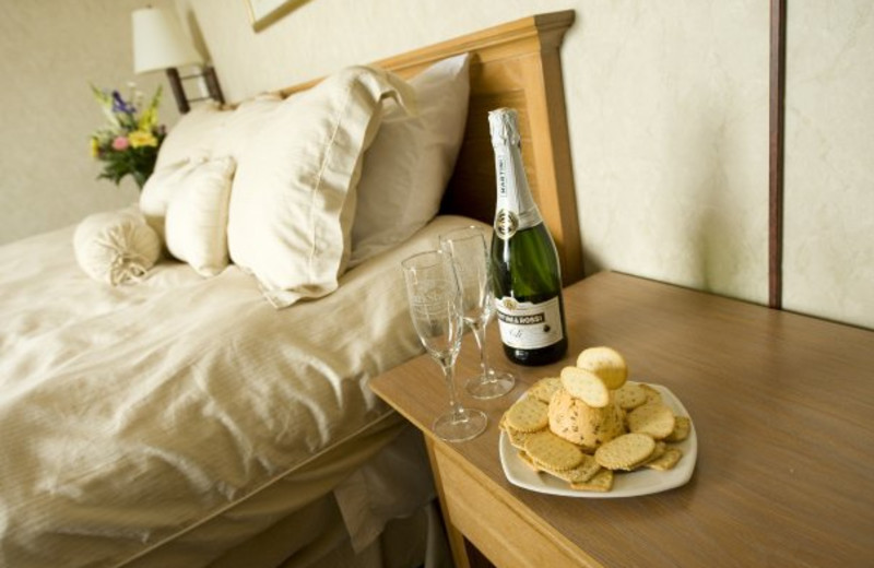 Suite guest rooms at ParkShore Resort.