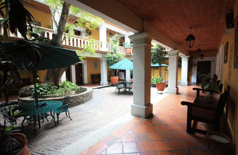 Exterior view of Hotel Parador del Dominico.
