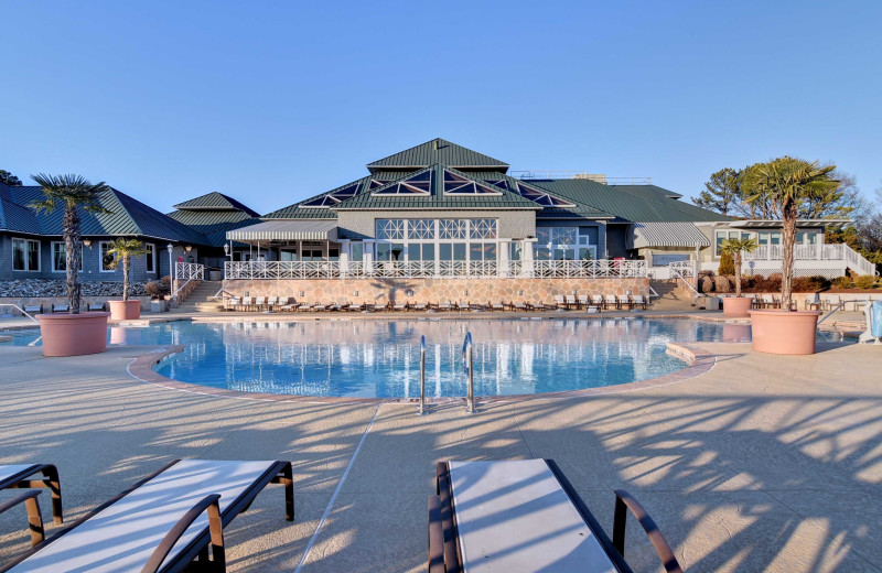 Outdoor pool at Kingsmill Resort.