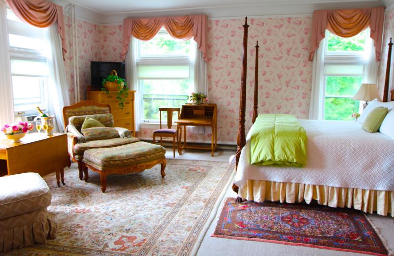 Guest room at Wilburton Inn.