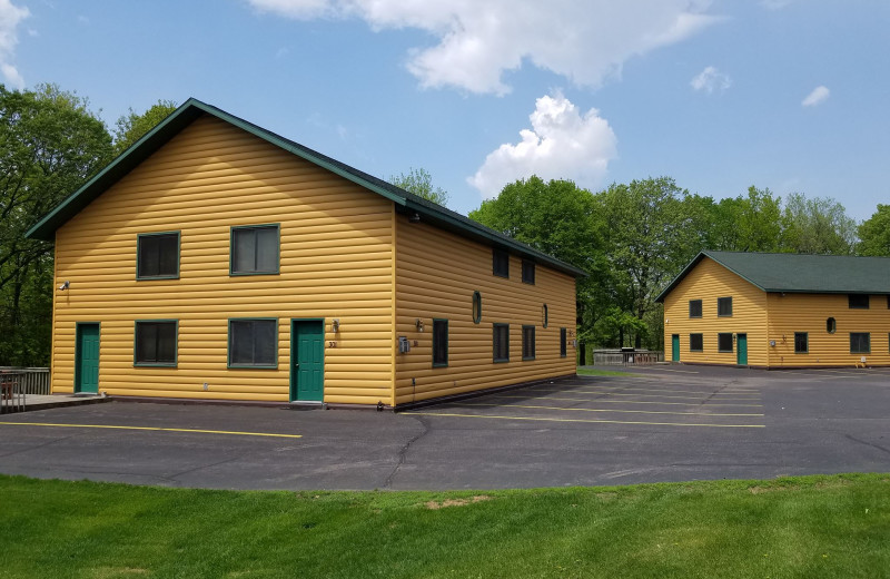Exterior view of McQuoid's Inn & Event Center.