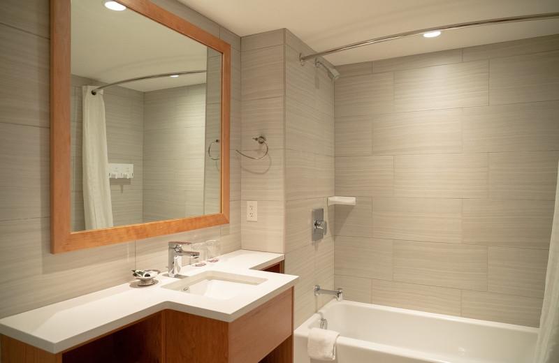 Guest bathroom at Banff Ptarmigan Inn.