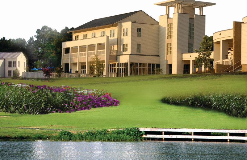 Exterior view of Lake Blackshear Resort & Golf Club.