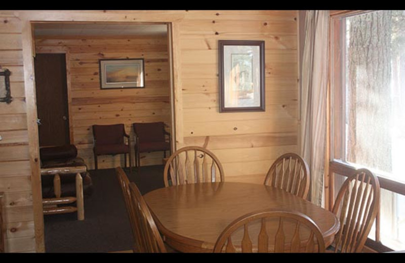 Cabin dining room at Isle O' Dreams Lodge.