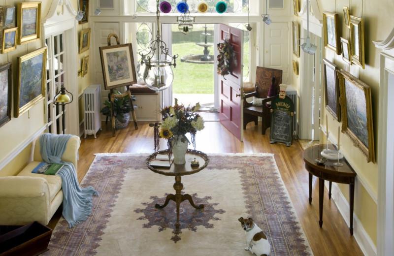 Living room at Juniper Hill B&B.