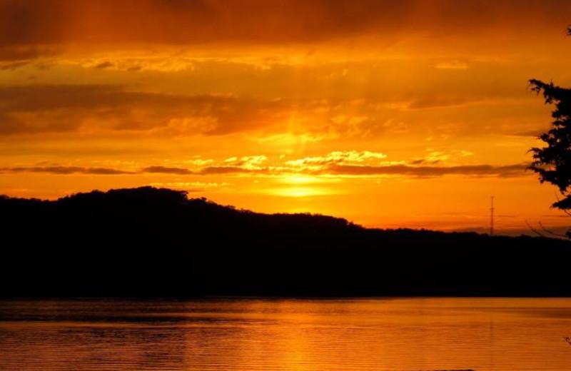Sunset at Sunset Inn Resort.