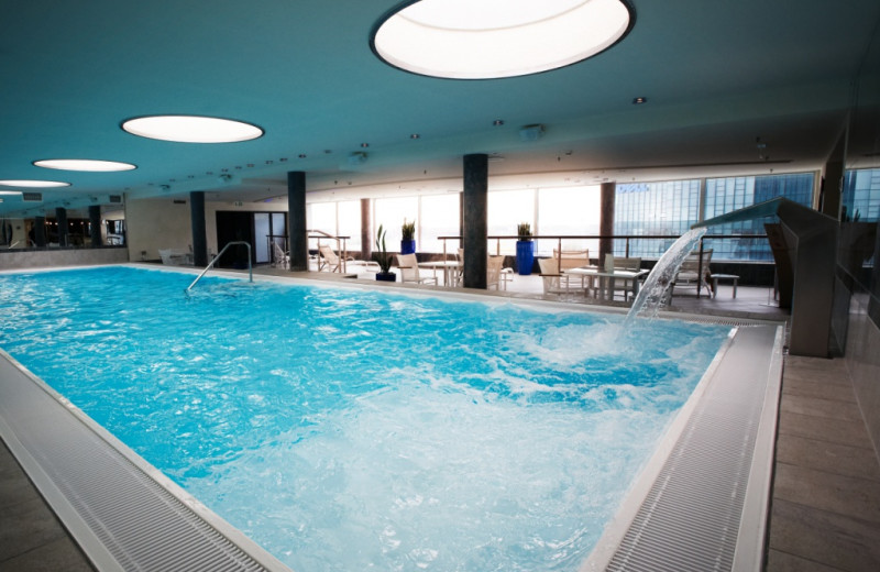 Indoor pool at Steigenberger Airport Hotel.