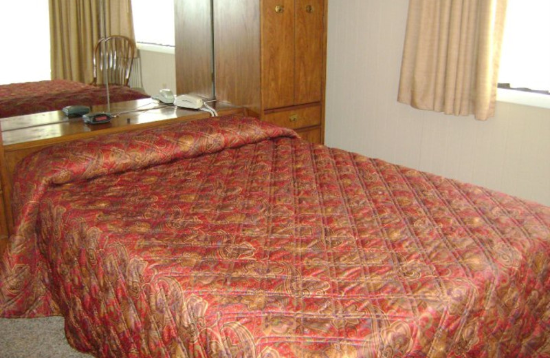Guest Room at Peppertree Maggie Valley
