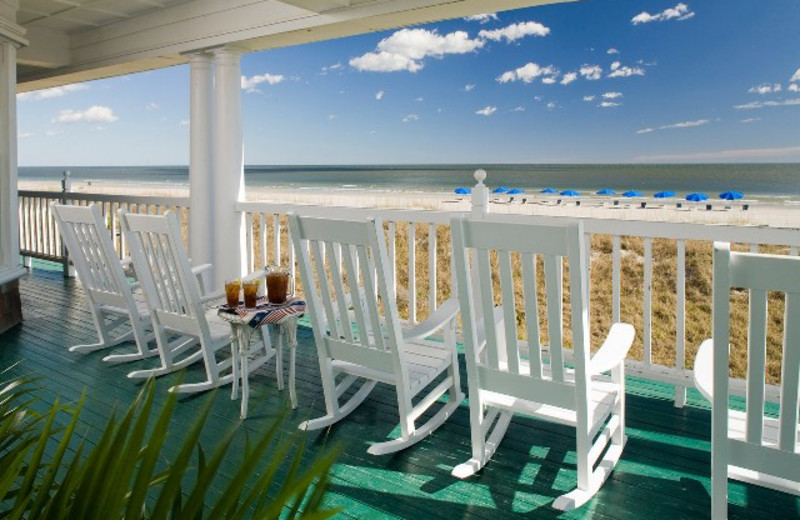 Relax on the Porch at Elizabeth Pointe Lodge