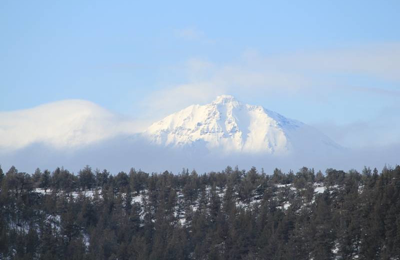 Mountain view at Sisters Vacation Rentals.