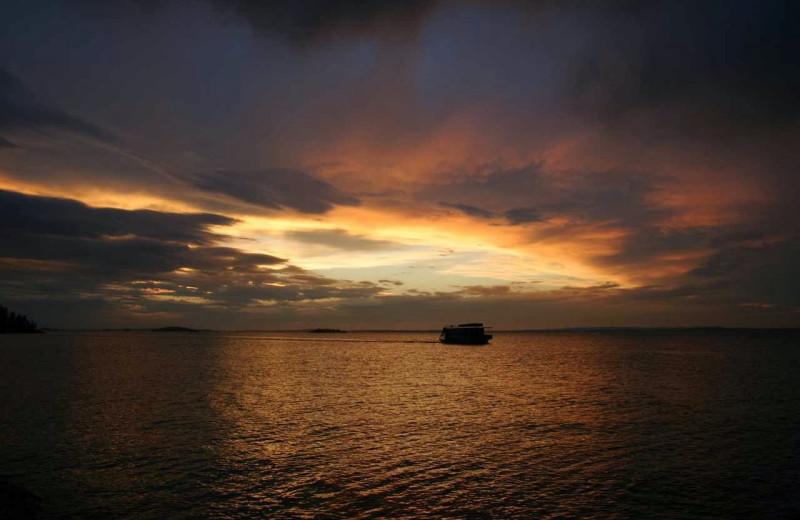 Sunset at Rainy Lake Houseboats.