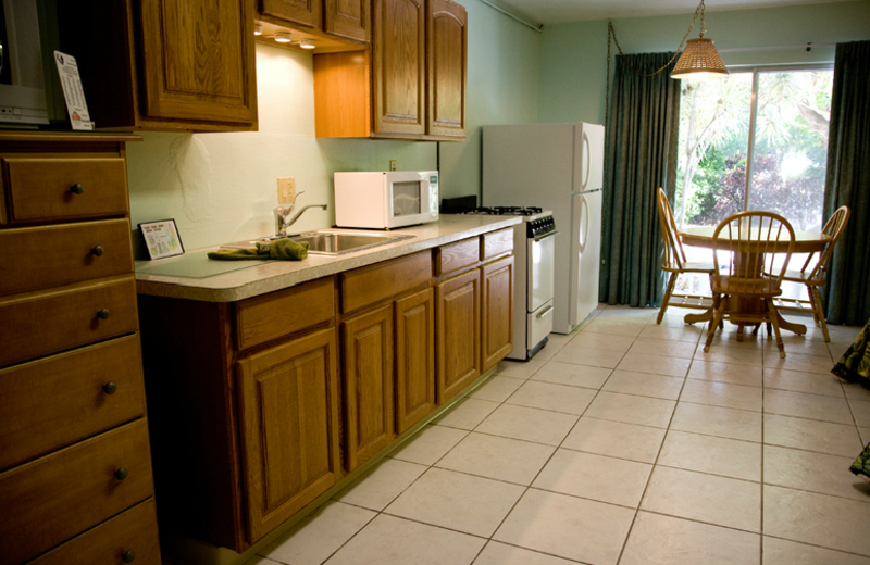 Cottage kitchen at Rock Reef Resort.