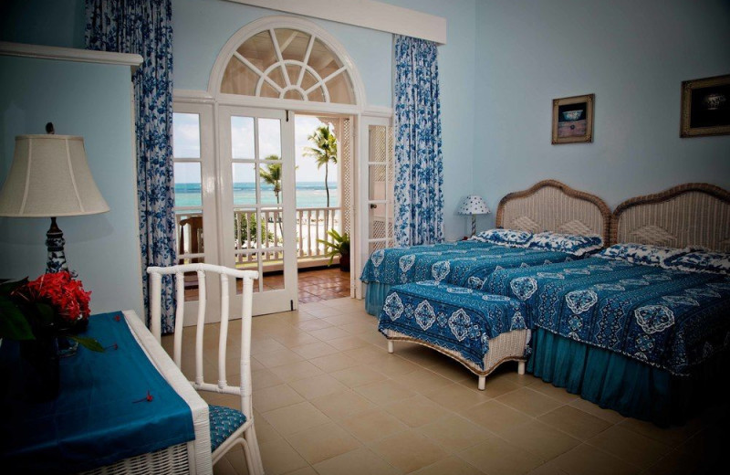 Guest room at Villa Serena Hotel.