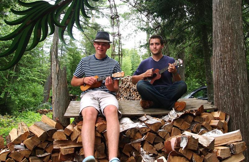 Banjo lessons at Heston's Lodge.