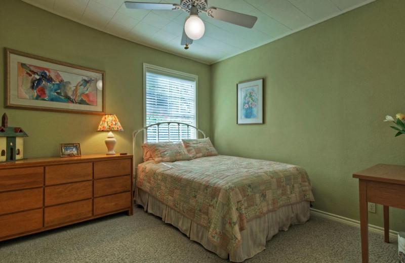 Rental bedroom at Eastbank River Respite.