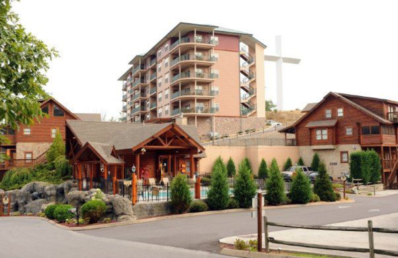 Big Bear Lodge exterior at Cabin Fever Vacations.