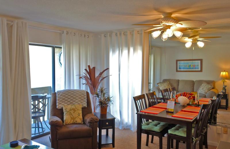 Rental dining room at Resort Destinations.