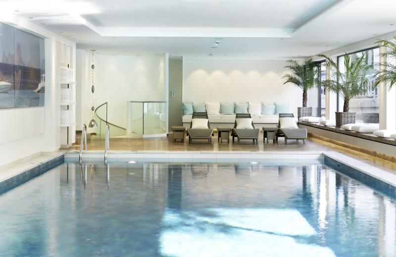 Indoor pool at Thurnhers Alpenhof.