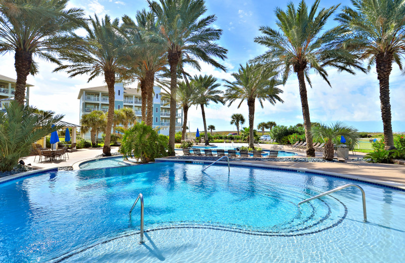 Kids and adults alike will love the lazy river on the bayside at Pointe West.