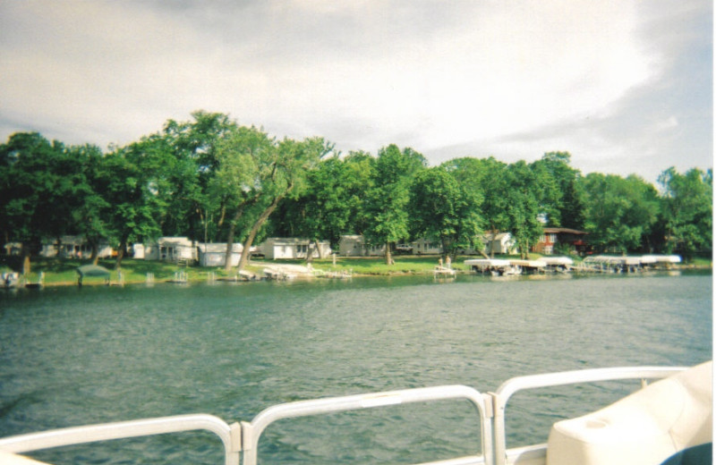 Exterior view of Cottage Grove Resort.
