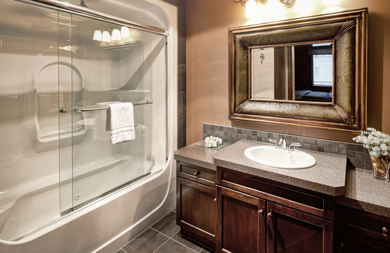 Guest bathroom at Bighorn Meadows Resort.