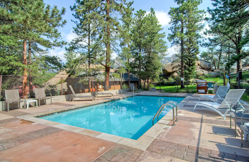 Outdoor pool at Black Canyon Inn.