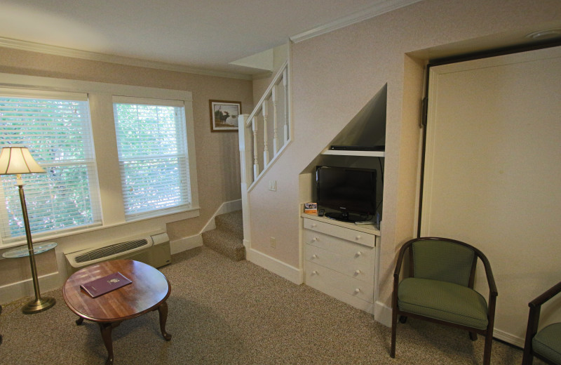 Guest room at Eastern Slope Inn Resort.