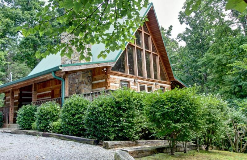 Rental exterior at Auntie Belham's Cabin Rentals.