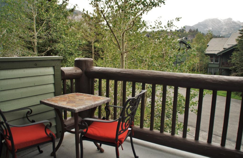 Rental balcony at Nomadness Rentals.