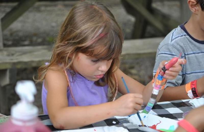 Kid's crafts at Yogi Bear's Jellystone Park Marion.