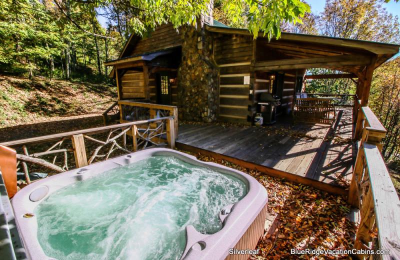 Cabin hot tub at Blue Ridge Vacation Cabins.