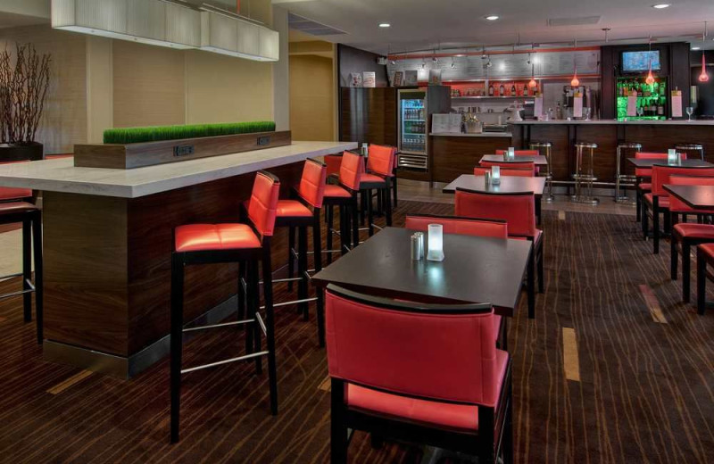 Dining at Courtyard Scottsdale North.
