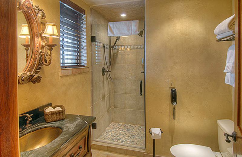 Bathroom And Shower at Ocean Lodge