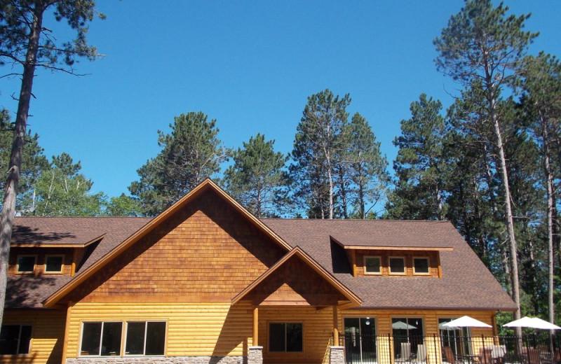 Exterior view of Wilderness Resort Villas.