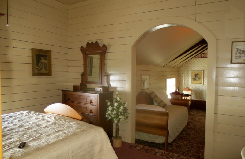 Guest room at Carriage House Bed & Breakfast.