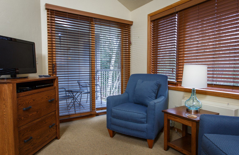 Guest room at Waterbury Inn Condominium Resort.