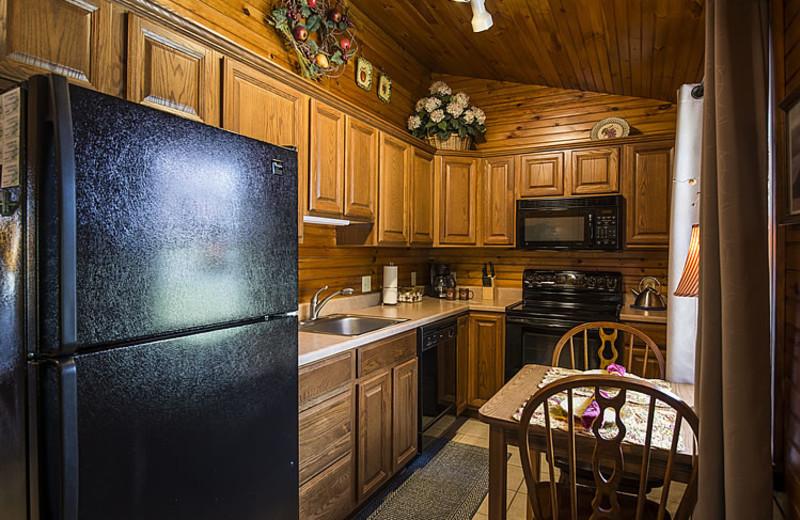 Cottage kitchen at Steele's Tavern Manor B&B.