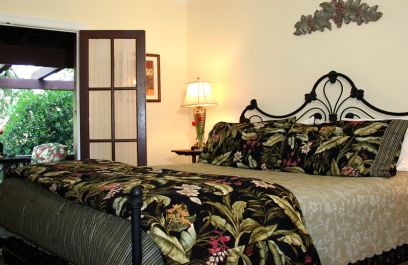 Guest bedroom at Calistoga Wayside Inn.