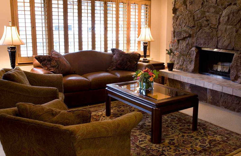 Guest living room at Lodge Tower.