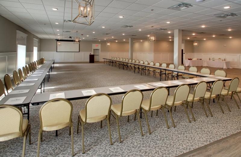 Meetings at Islander Hotel & Resort.