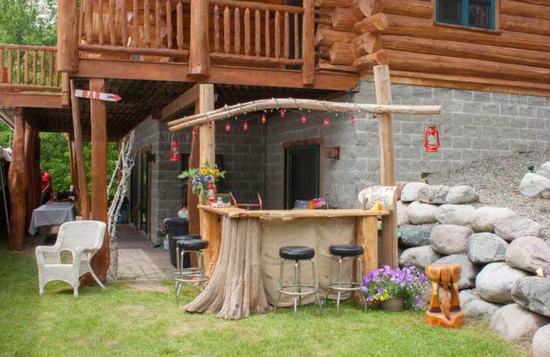 Wedding bar at Buckhorn on Caribou Lake.