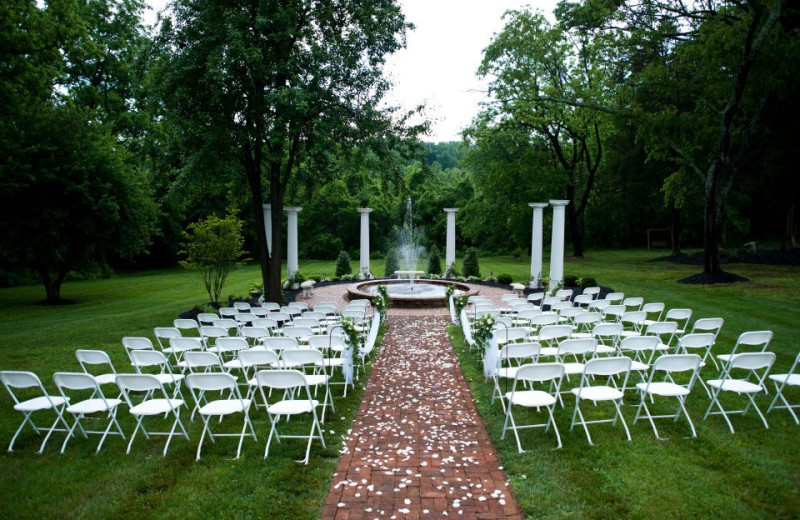 Outdoor wedding at Chestnut Hill Bed & Breakfast.