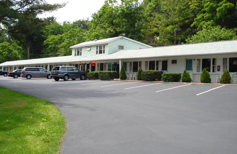 Exterior at Milford Motel