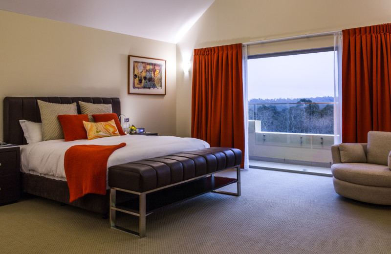 Guest room at Fairmont Resort Blue Mountains.