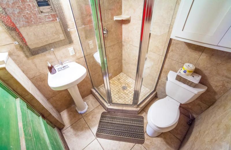 Guest bathroom at Geronimo Creek Retreat.