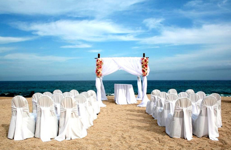 Outdoor wedding at Hilton Los Cabos Resort.