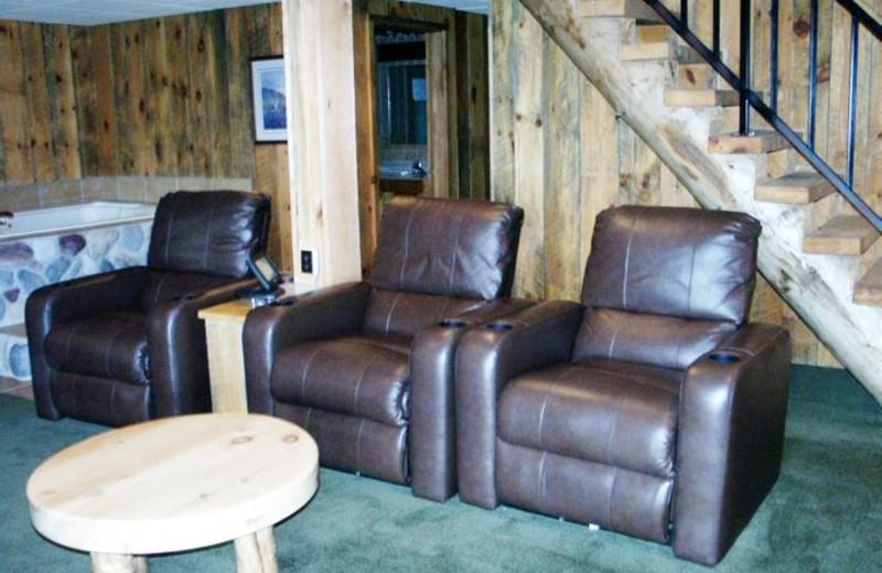 Basement Lounge at Whitetail Ridge