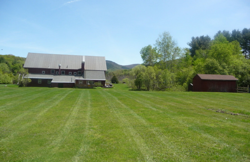 Exterior view of Mountain Meadows Lodge.