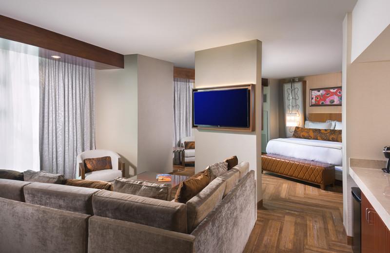 Guest room at Del Lago Resort & Casino.